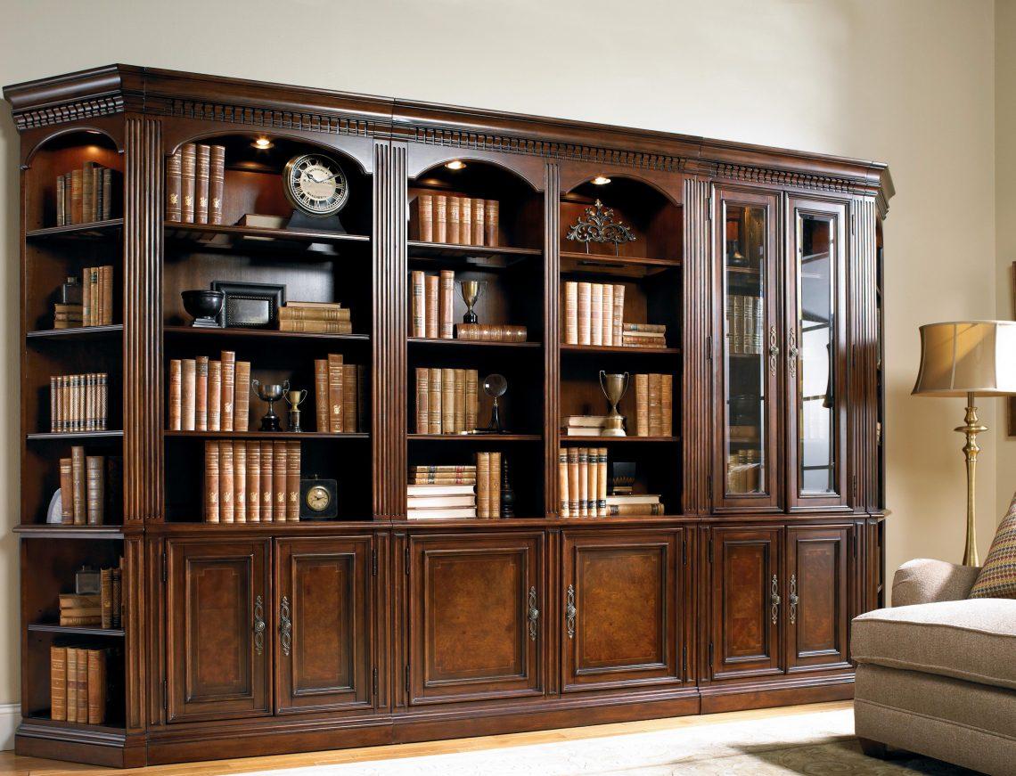 Преимущества приобретения книжного шкафа из сосны или другой мебели